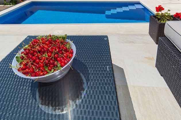 Loungsbereich und Pool - Bild 2 - Objekt 138495-29