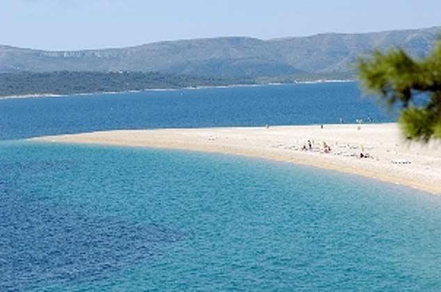Strand auf der Insel Brac (goldenes Horn)