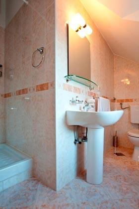 Duschbad im 1. Stock