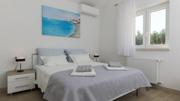 Schlafzimmer 2 im Obergeschoss - Objekt 138495-37
