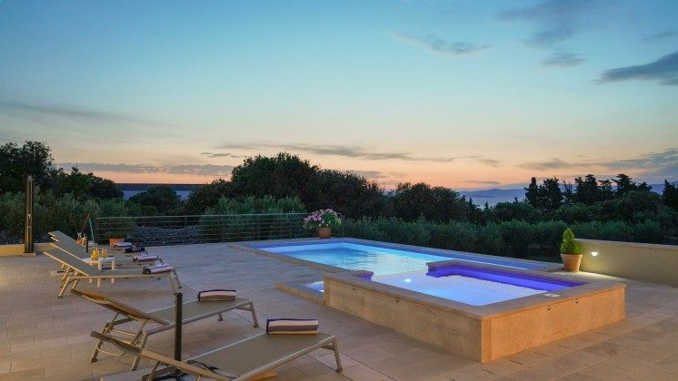 Abendstimmung am Pool  - Objekt 138495-37