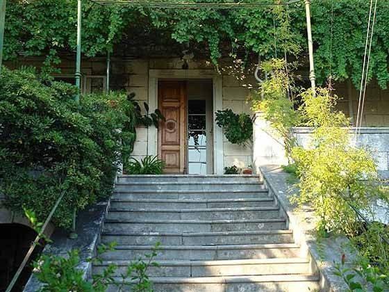 Treppenaufgang zur Villa