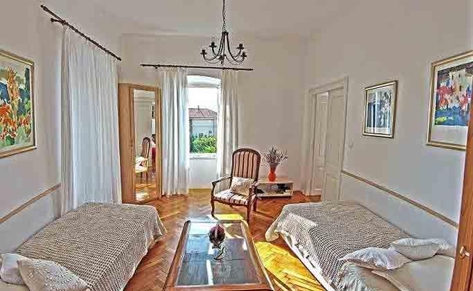 A2 Wohnraum mit 2 Sofabetten