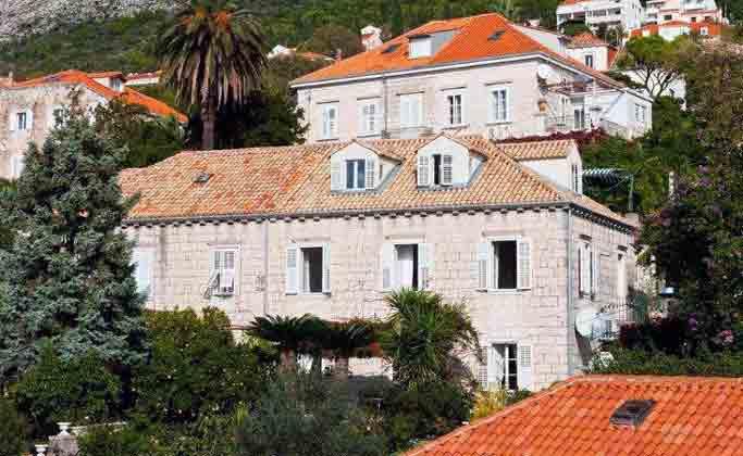 historische Villa im Ortsteil Pile
