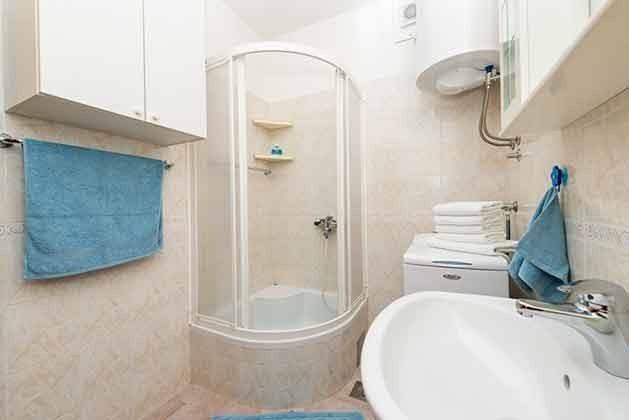 Duschbad mit Waschmaschine - Bild 1 - Objekt 94599-37