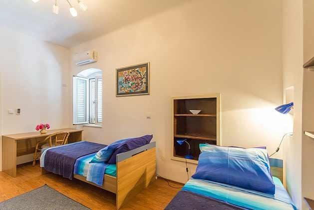 Schlafzimmer 2 - Bild 1- Objekt 94599-48