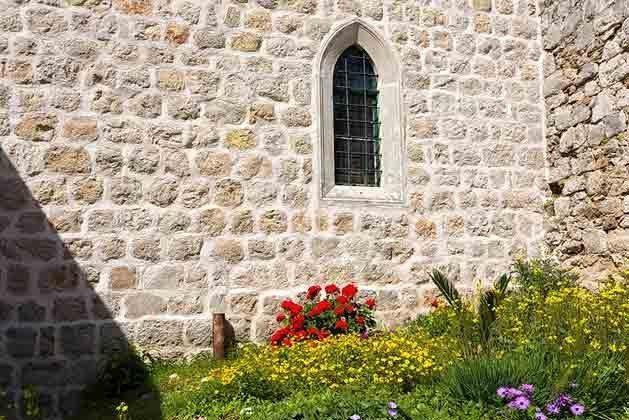 angrenzende Kapelle außen - Objekt 94599-48