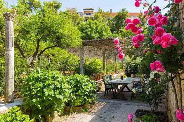 hintere Terrasse zum Garten - Objekt 94599-48