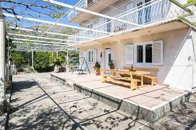 Terrasse vor dem Haus Ref 2001-1 Bild 2