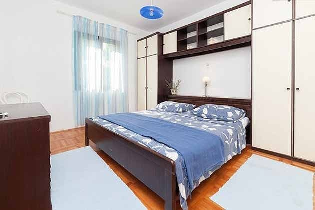 Schlafzimmer 1  2001-29 Bild 1