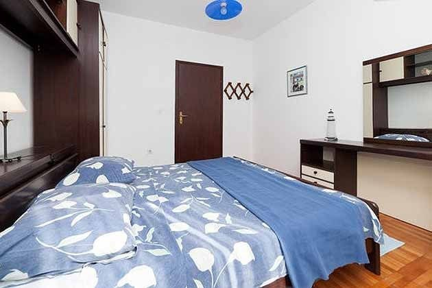 Schlafzimmer 1 2001-29 Bild 3
