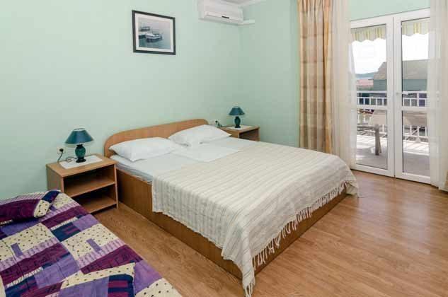 Schlafzimmer 2 von 5 - Bild 1 - Objekt 2001-80