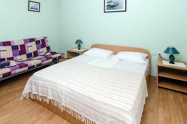 Schlafzimmer 2 von 5 - Bild 2 - Objekt 192577-80