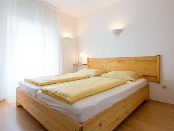 Schlafzimmer mit Doppelbett - Bild 1 - Objekt 201117-2