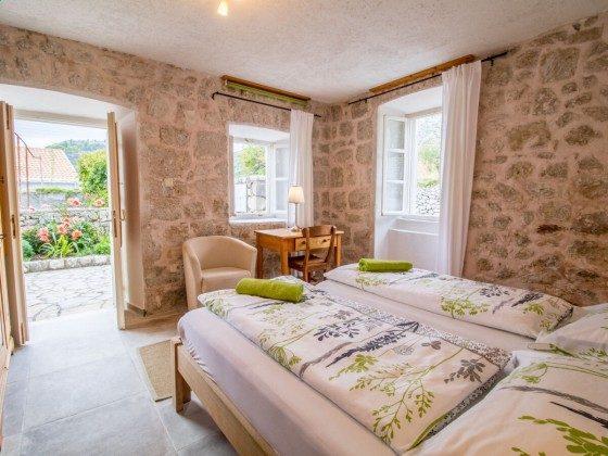 Schlafzimmer 1 EG - Bild 1 - Objekt 201117-3