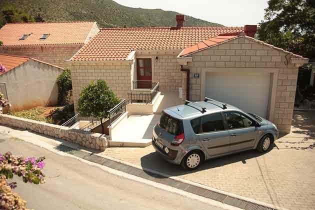 Parkplätze vor dem Haus - Objekt 94599-50