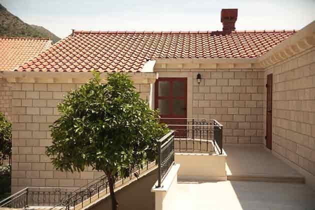 Eingänge zu den Apartments - Objekt 94599-50