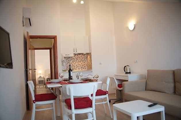 A1 Wohnraum mit Küchenzeile - Bild 1 - Objekt 94599-50