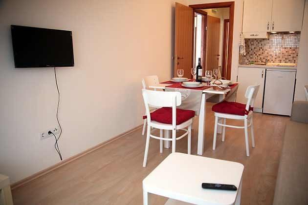 A1 Wohnraum mit Küchenzeile - Bild 2 - Objekt 94599-50