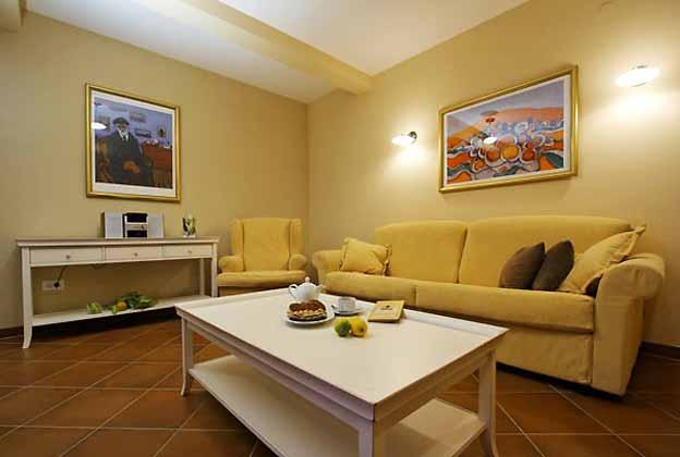 Wohnzimmerbereich - Bild 1- Objekt 138495-5