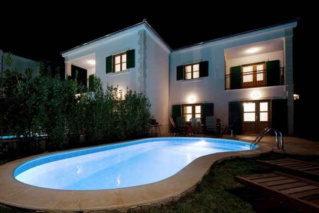 Ferienhaus Cvita bei Nacht