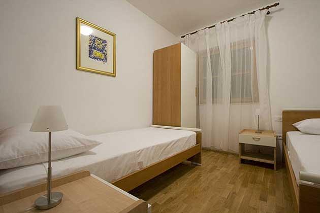 Schlafzimmer 2 von 4 - Objekt 138495-8