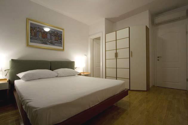 Schlafzimmer 1 von 4 - Objekt 138495-8
