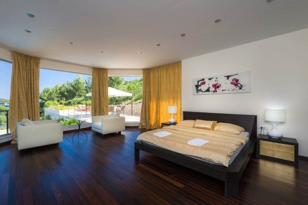 Schlafzimmer 1 von 7 - Bild 1 - Objekt 138493-26