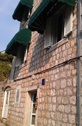 Hausansicht Straßenseite- Ref. 2001-52