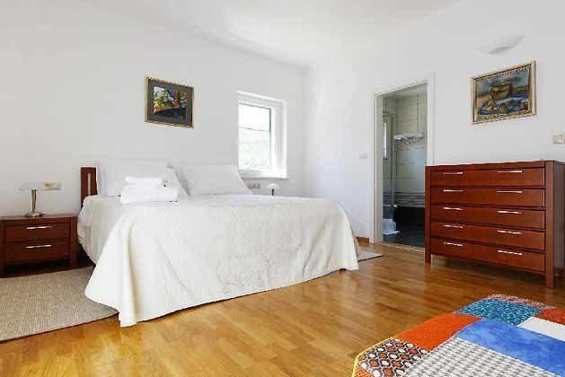 Schlafzimmer 1 von 3 - Bild 1 - Objekt 138495-26