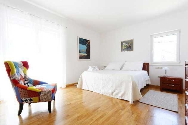 Schlafzimmer 1 von 3 - Bild 2 - Objekt 138495-26