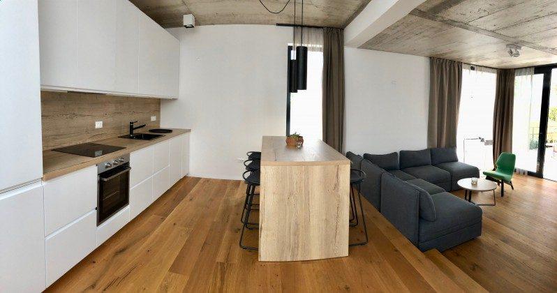 Küchenzeile und Essplatz - Bild 2 - Objekt 213869-1