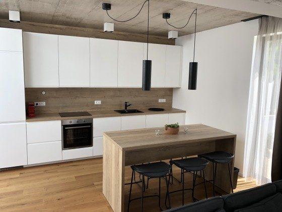 Küchenzeile und Essplatz - Bild 1 - Objekt 213869-1