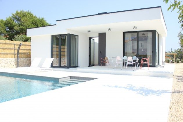 Ferienhaus und Pool - Bild 2 - Objekt 213869-1