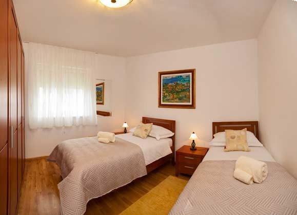 A3 Schlafzimmer 2 mit 2 Einzelbetten