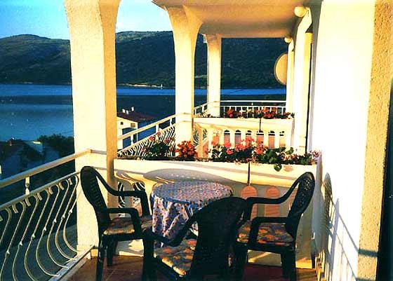 Balkone hier ohne optische Abtrennung - Objekt 2451-1