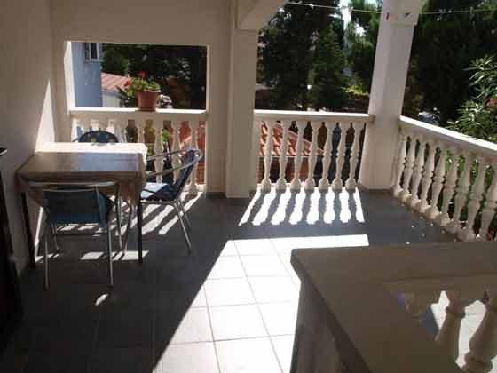 Apartment 6 Sitzplatz auf der Terrasse im 1. Stock - Objekt 99794-2