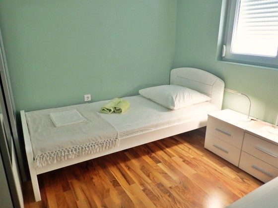 Schlafzimmer 2 - Bild 3 - Objekt 173302-11