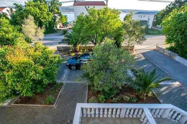 Parkplätze vor dem Haus - Objekt 173302-13
