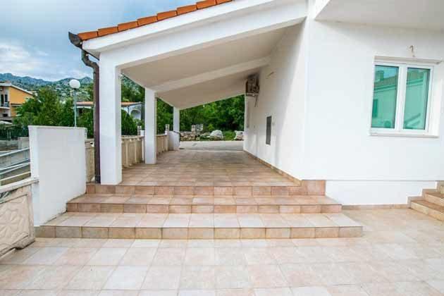 seitliche Terrasse des Hauses - Objekt 173302-19
