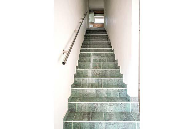 FW2 Treppenaufgang zur Wohnung - Objekt 173302-19