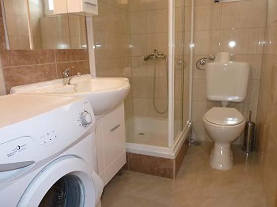Duschbad mit Waschmaschine- Objekt 173302-21