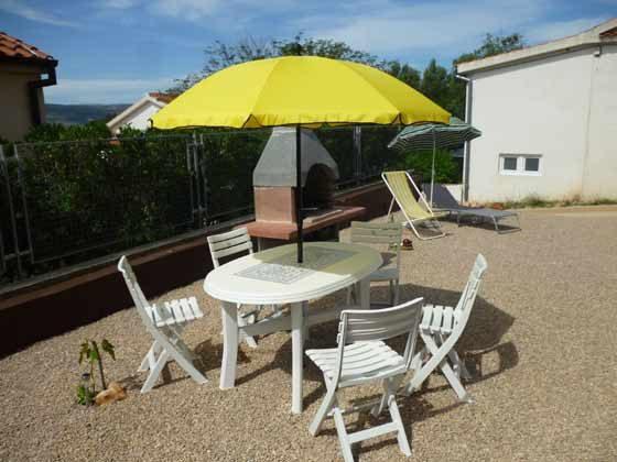 A2 Sitzplatzt auf Terrasse vor dem Haus - Objekt 173302-23