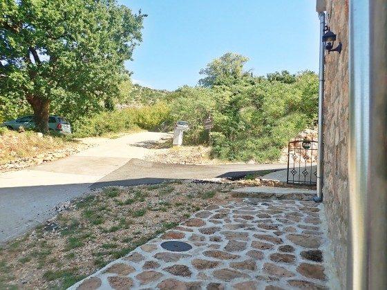 Zufahrt zum Haus und Gartentor- Objekt 173302-29