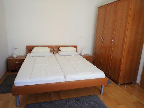 Doppelbett im Schlafzimmer  - Beispiel - Objekt 173302-35