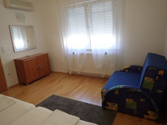 zusätzl.Schlafsofa für eine Person im Schlafzimmer - Beispiel 1 - Objekt 173302-35