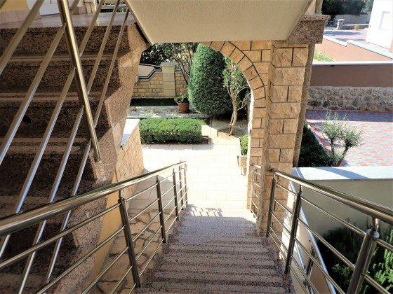 Außenteeppe zu den Apartments - Bild 2 - Objekt 173302-35