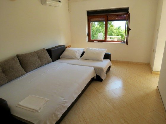 Schlafzimmer 2 mit Schlafcouch - Objekt 173302-3