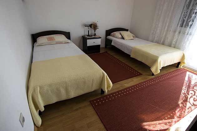 Schlafzimmer 2 - Bild 2 - Objekt 173302-6