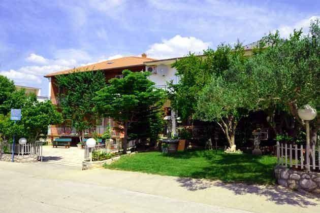 das Apartmenthaus Straßenseite - Bild 1 - Objekt 173302-9